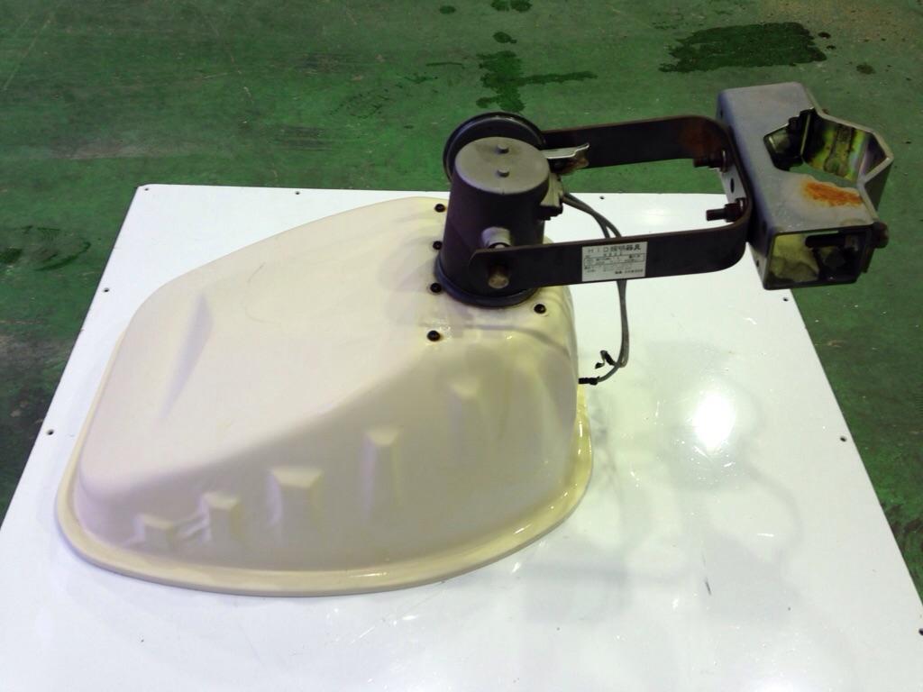 岩崎電気アイエリアライト 照明器具 H802  中古